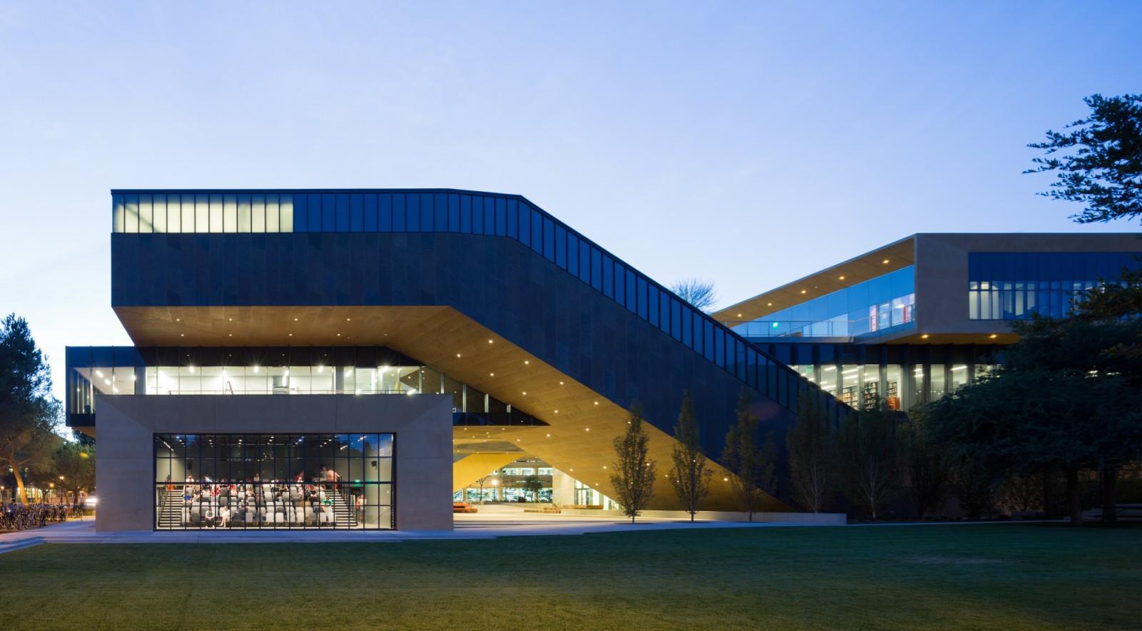 بهترین دانشگاه هنر دنیا